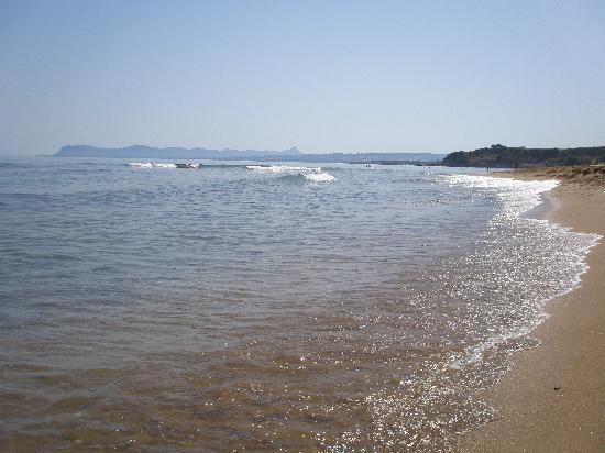Kato Stalos Mare Hotel: Stranden