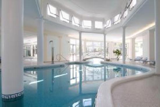 La Residence & Idrokinesis: piscina interna