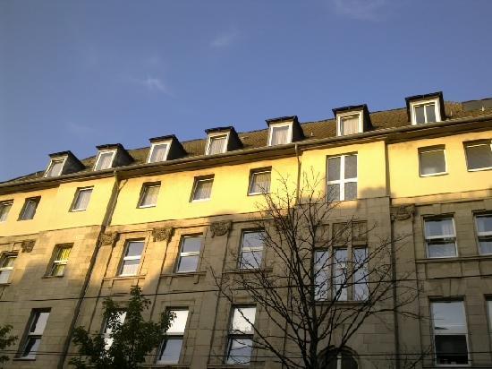 Stadthotel Dusseldorf : Upper room levels