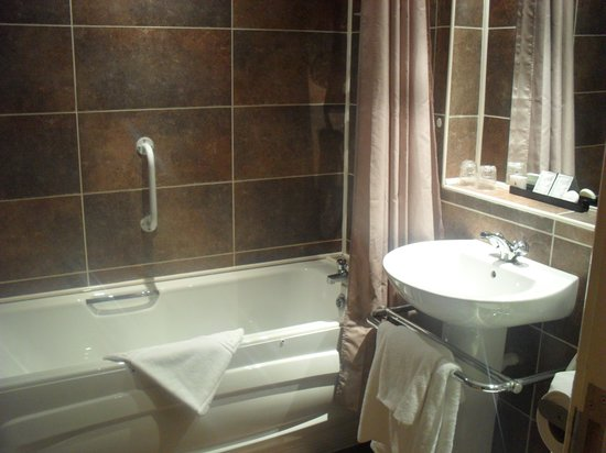 Newcastle-under-Lyme, UK: Bathroom