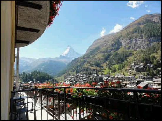 Parkhotel Beau Site: Aussicht vom Balkon aufs Matterhorn