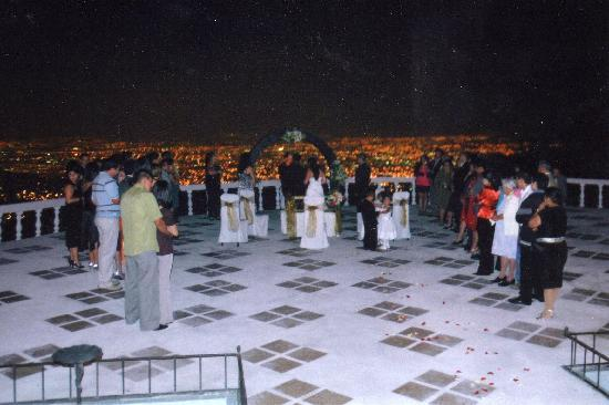 Aserri, Costa Rica: vista desde la terraza de noche