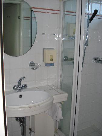 Turmhotel : Badezimmer