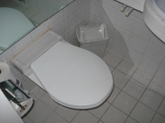 Turmhotel : WC