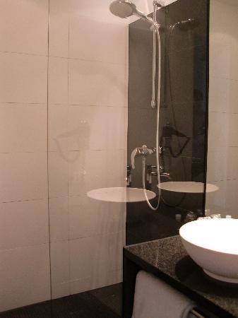 موتل وان برلين تيرجارتن: Bathroom