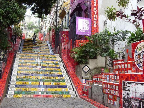 Casa da Gente: Escalier Selaron