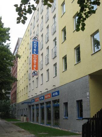 A&O Berlin Hauptbahnhof: L'esterno
