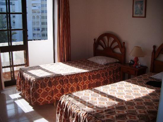 Vila Rosa Hotel : our bedroom