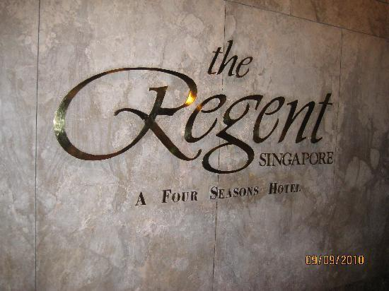 Regent Singapore, A Four Seasons Hotel: The logo