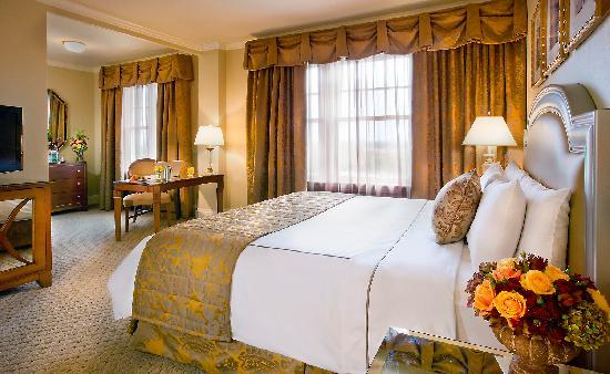 Warwick Melrose Hotel Dallas: Classic King Guest Room