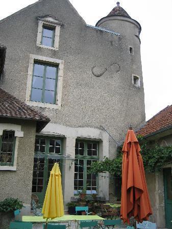 Domaine de Venoise Noyers sur serein: Terrasse d'accueil