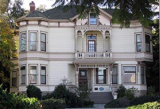 Hinds Victorian Guest House: Santa Cruz Extended Stay