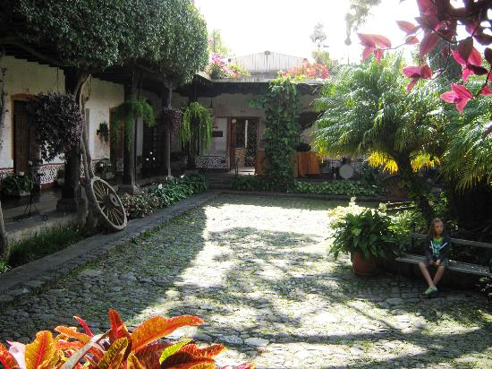 Hotel Posada de Don Rodrigo: hotel courtyard