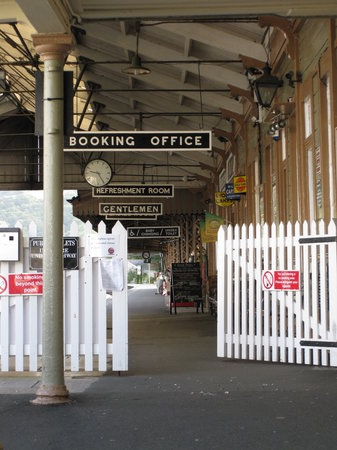 Dartmouth Steam Railway and River Boat Company: Kingswear station