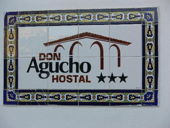 Hotel Don Agucho: The signage
