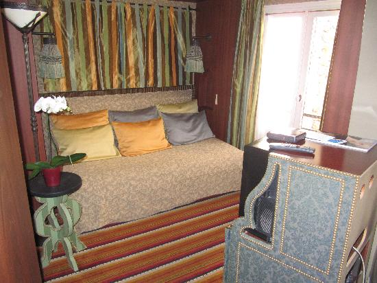 Hotel Bourg Tibourg: Suite - sitting room