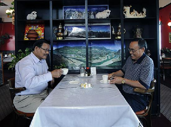 Oriental Wok & Himalyan: The owner/chef in dining room