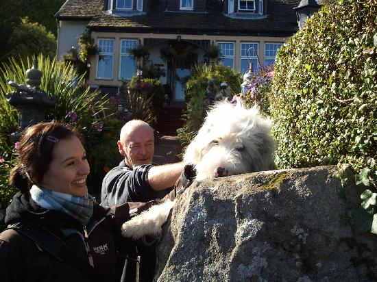 Tarbert, UK : My GF, Andrew and Skye
