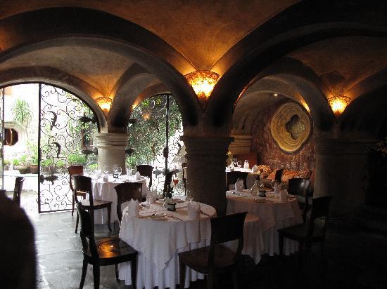Meson Panza Verde : Restaurant im Gewölbe