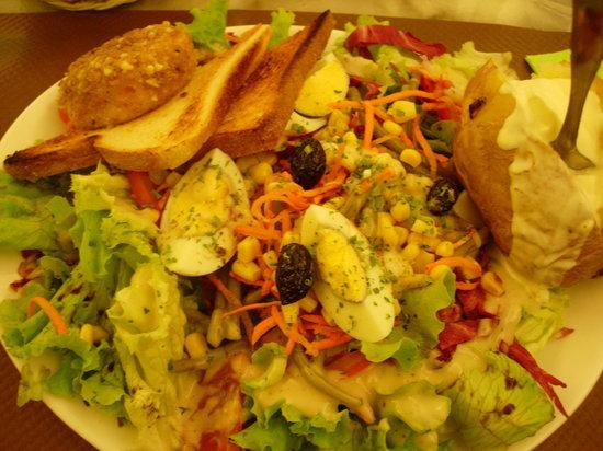 MR Greaser: Vegetarian salad