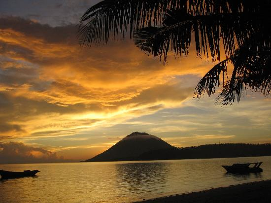 sunset view from bunaken island resort