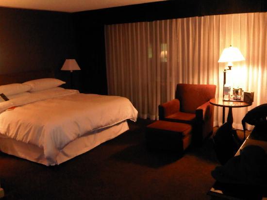 Sheraton Ottawa Hotel: Room on 12th floor