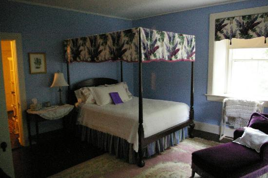 The Richards: The Lavender Room