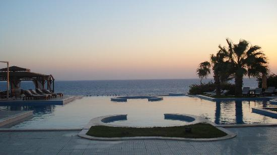 The Oberoi Sahl Hasheesh: the pool at sunrise