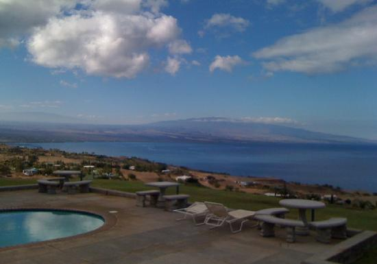 Makai Hale: view from poolside
