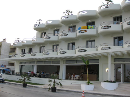 Nea Kallikratia, Greece: The Front of the Hotel