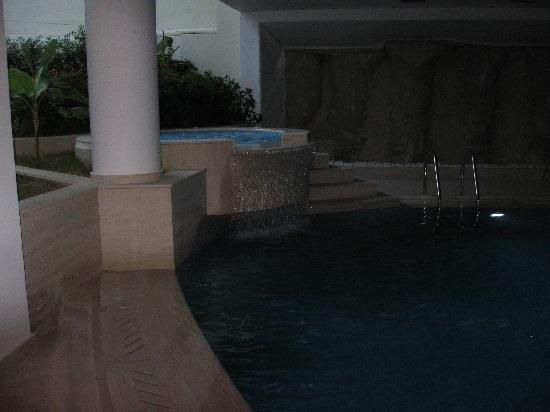 Aegean Blue Hotel: Pool and Jacuzzi