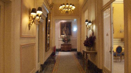 Hotel Avenida Palace: Hallway