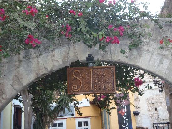 Domus Rodos Hotel: A sign over the alley below Domus Rodos