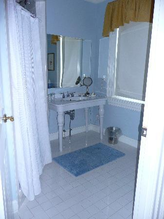 Compass Rose Inn: Room 3 Shower room