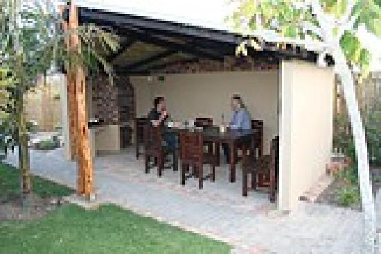 113 Robberg B&B - Lapa / Barbeque area