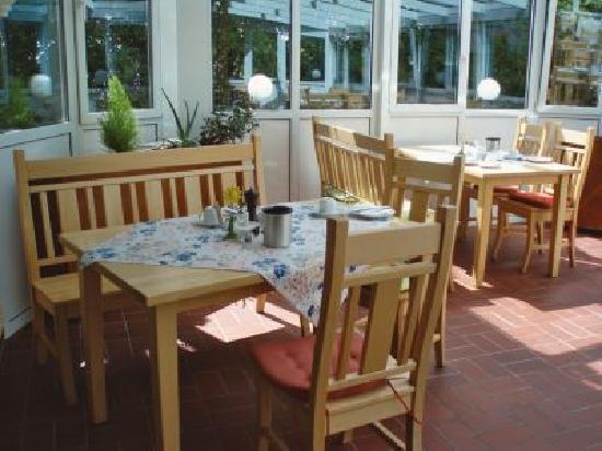 Laufelder Hof: Frühstück im Wintergarten