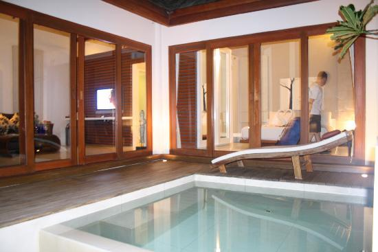 Zara Beach Resort: The room