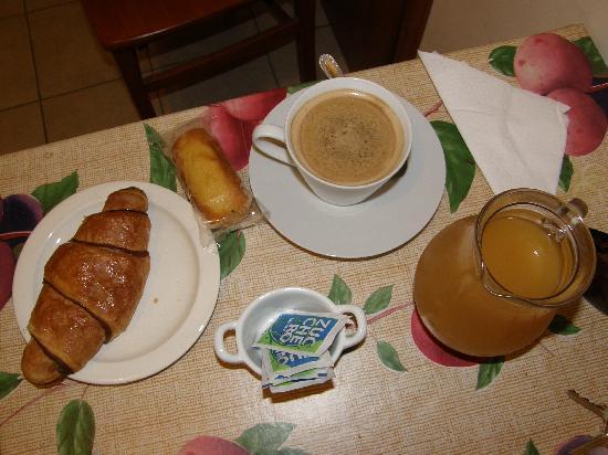 Bed Breakfast and Cappuccino - Kosher B&B Roma: Cappucino B&B:)