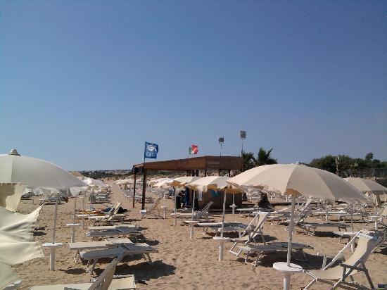 Baia Samuele Hotel Villaggio: la spiaggia