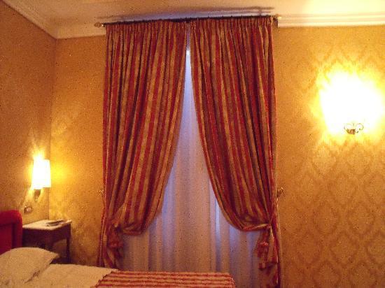 Hotel Royal Court: visione della camera