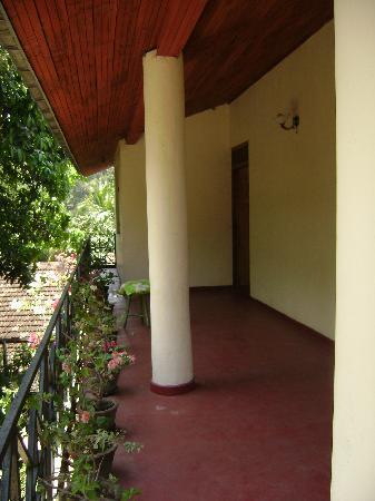 Kundasale Holiday Homes: Balcony
