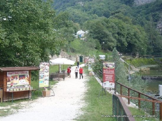 Il parco e le grotte di oliero valstagna vicenza foto for Modi di ingresso alle case