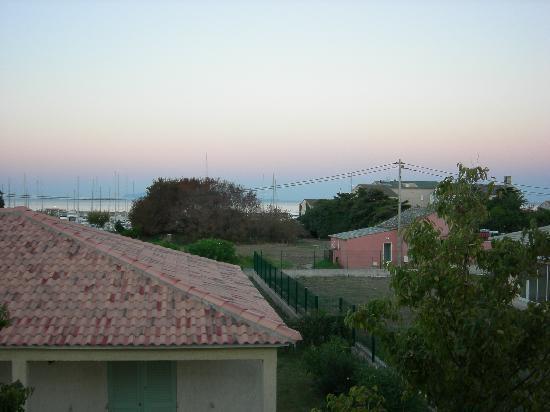 Macinaggio, ฝรั่งเศส: Vista dalla camera