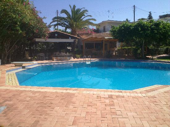 Lefka Apartments: excellant pool area