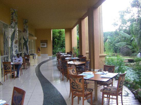 캄팔라 세레나 호텔 이미지