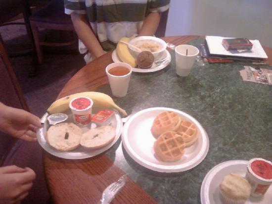 Comfort Inn Midtown: Filling Breakfast