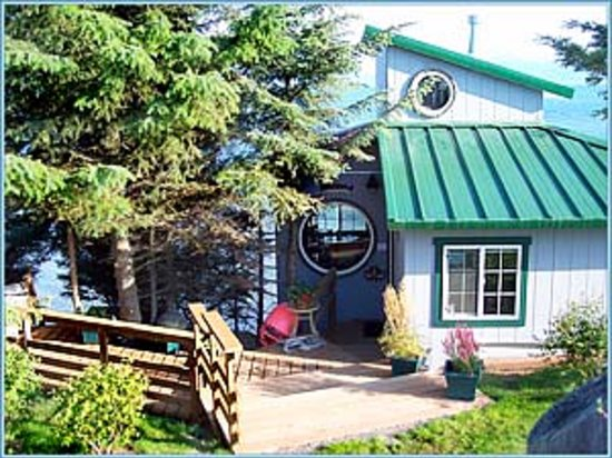 The Alaska Beach House: Compass Rose on Kachemak Bay