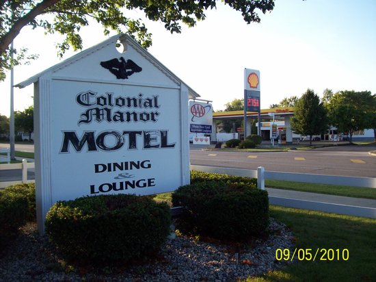 ‪Colonial Manor Motel‬
