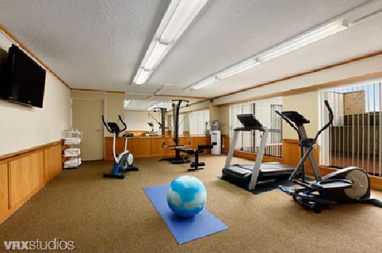 Ramada Coquitlam: Fitness Room