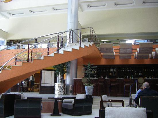 Hotel Intercontinental-Addis: Lobby, Bar und Restaurant